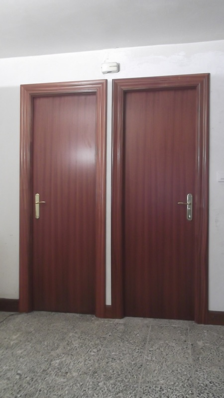 2-dos-puerta-lisas-carpinteria-zaballa-sondika