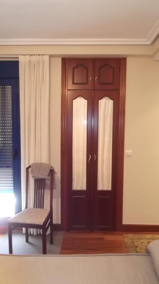 armario-de-vidrio-carpinteria-zaballa-bilbao