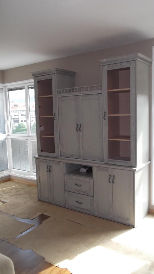 armario-gris-salon-carpinteria-zaballa-sondika