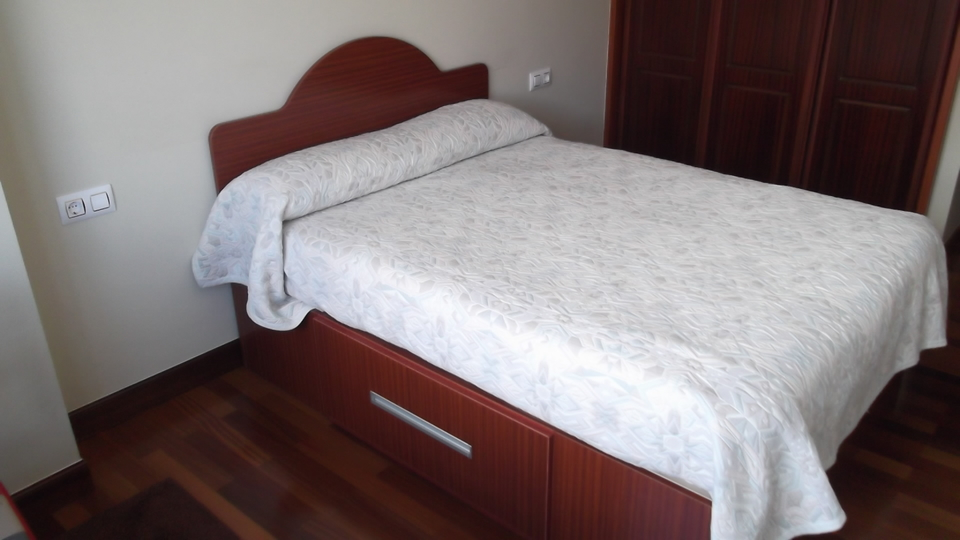 cama-dormitorio-carpinteria-zaballa-txorierri
