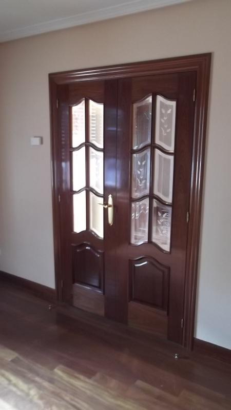 puerta-capilla-vidriera-carpinteria-zaballa-bilbao
