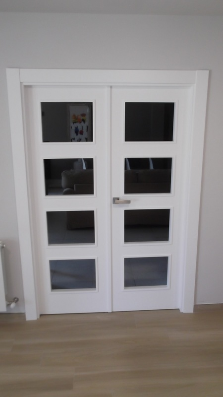 puerta-doble-blanca-carpinteria-zaballa-bizkaia