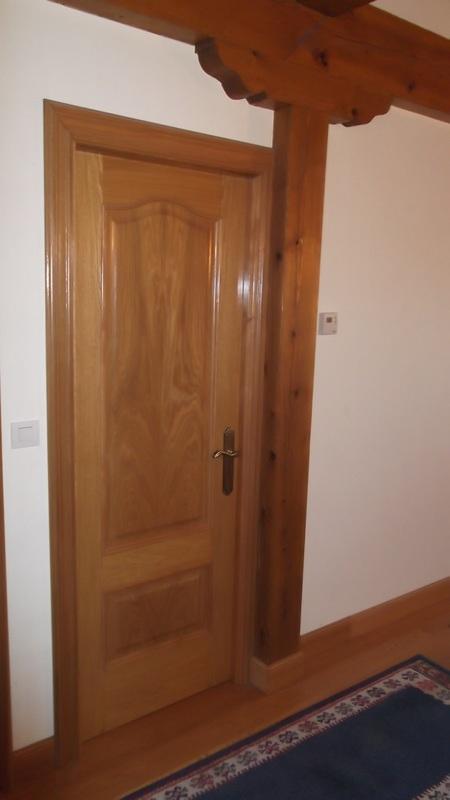 puerta-roble-capilla-carpinteria-zaballa